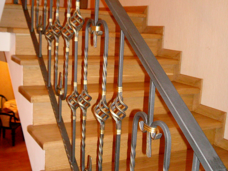 Перила, Лестницы